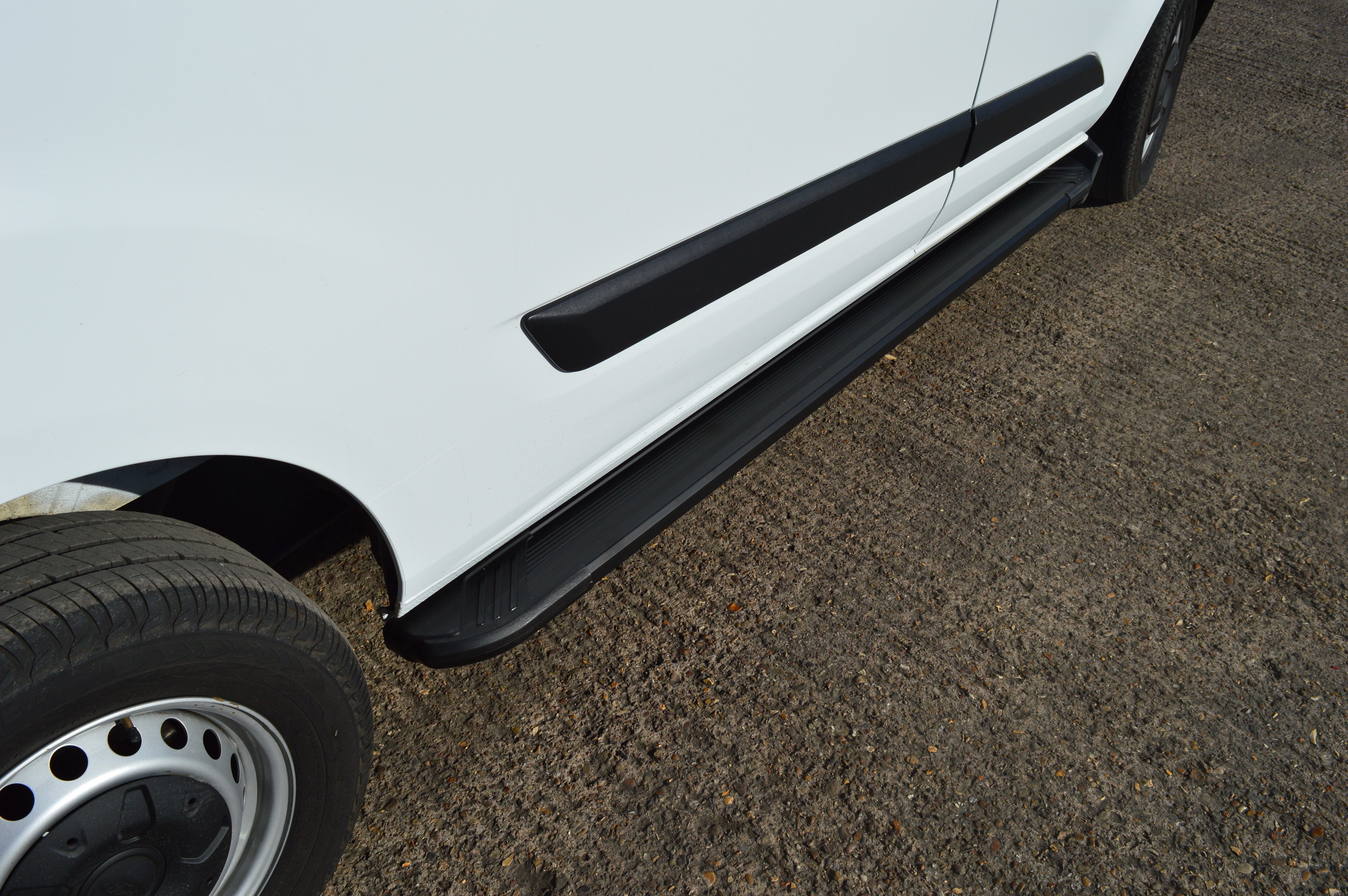 Van Demon Aluminium Running Boards Pair of Silver Side Steps with Brackets and Fixings