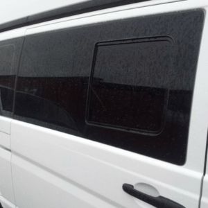 Mercedes Vito Windows
